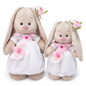 Зайка Ми в белом платье с ИМЕННОЙ ВЫШИВКОЙ